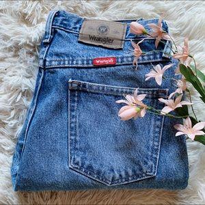 Vtg Wrangler High Waisted Mom Jeans Med. Wash